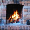 暖炉の火に癒やされる